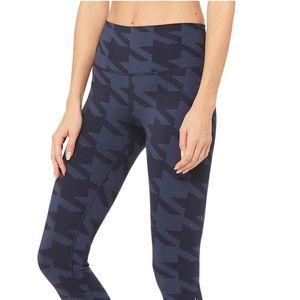 ALO Yoga High Waisted Airbrush Legging